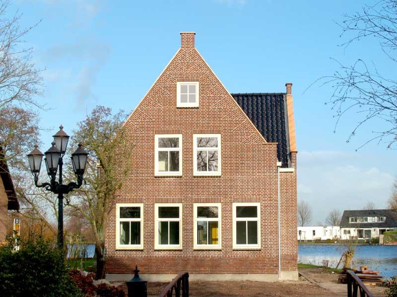 Luxe woningen bouwbedrijf soede for Bouwbedrijf huizen